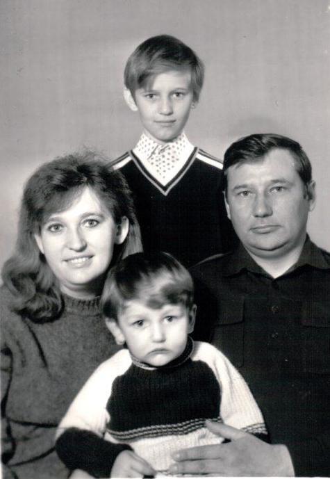 биографии Навального