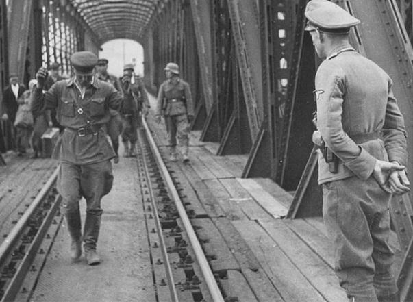 в плен к немцам