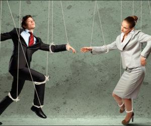 Женские манипуляции — трюки и способы, которые мужчины до сих пор не поняли