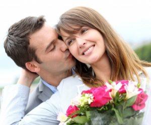 Любит ли мужчина женщину? Как узнать? Признаки влюбленного мужчины