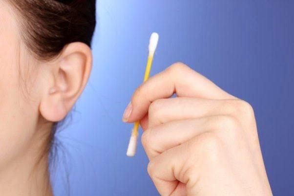 Как чистить уши