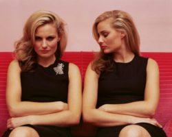 Завистливая подруга: причины, проявление женской зависти, что делать и стоит ли продолжать дружбу