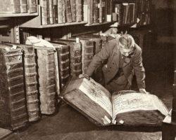 Гримуары - тайные знания. Некрономикон, Тайны Червя, Кодекс Гигас, Библия Черта