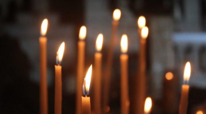 можно ли ставить одну свечку за нескольких человек