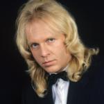 Крис Кельми: смерть певца и музыканта