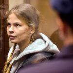 Настю Рыбку и Алекса Лесли отпустили из полиции после вмешательства президента Белоруссии