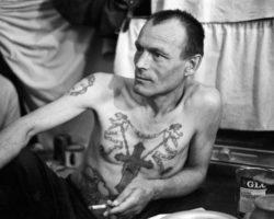 Смотрящие в российской тюрьме: чем они занимаются и какие у них обязанности