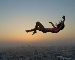 Падать во сне: к чему снится и что это значит? Почему мы видим это сновидение?