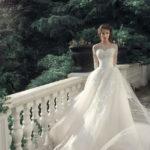 Что делать со свадебным платьем после свадьбы? Что можно и нельзя — приметы в народе