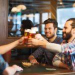 Муж пьет с друзьями, гуляет — что делать?