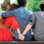 Если твоя девушка общается с бывшим: как реагировать на это и что делать?