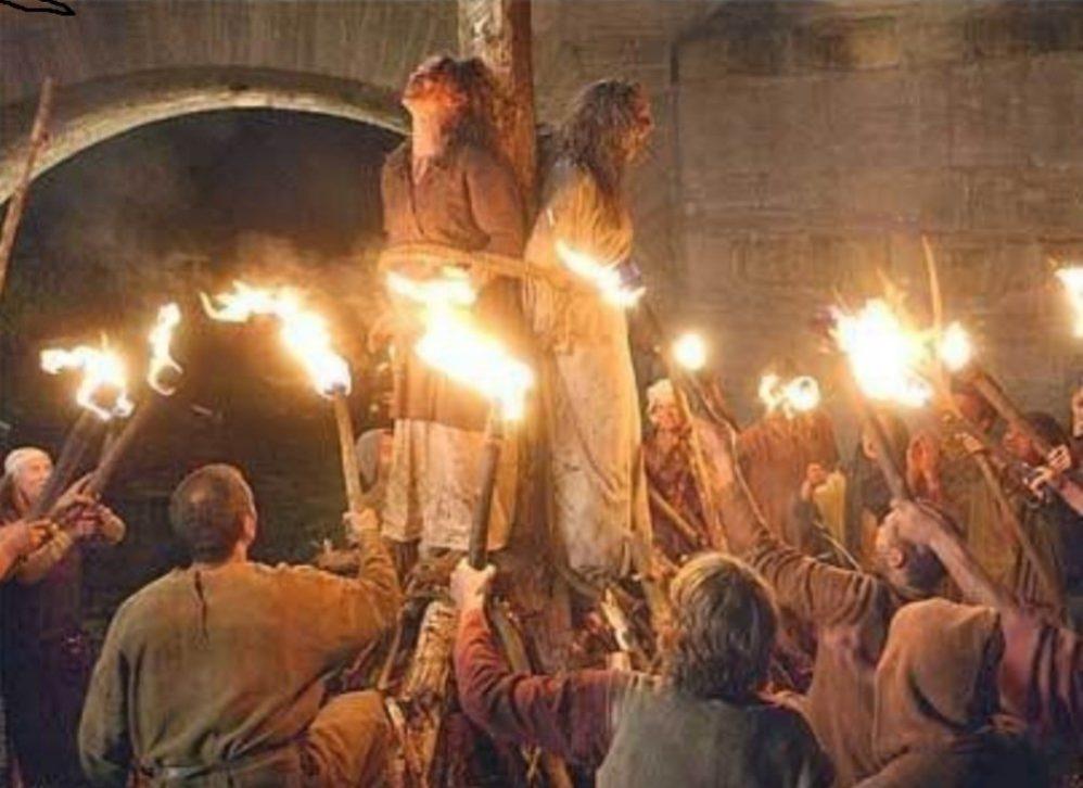 За что в Средневековье могли сжечь современную женщину
