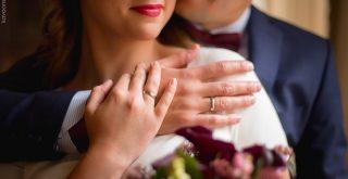 Зачем женщине брать фамилию мужа